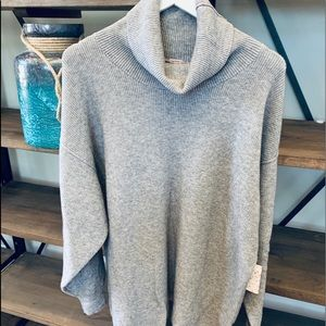 NWT FREE PEOPLE loose fit turtle neck sweater